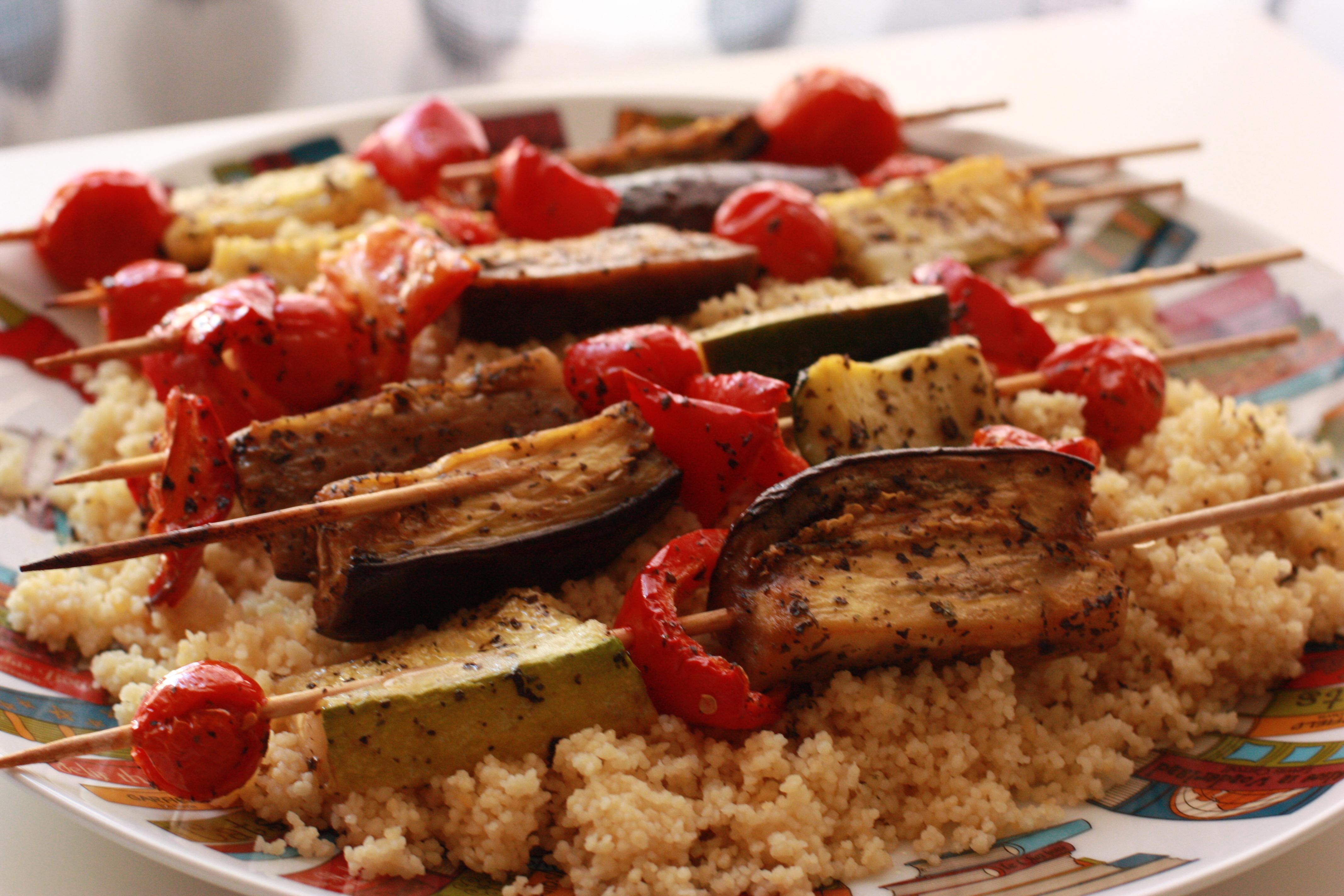 Cuscus con brocheta de verdura