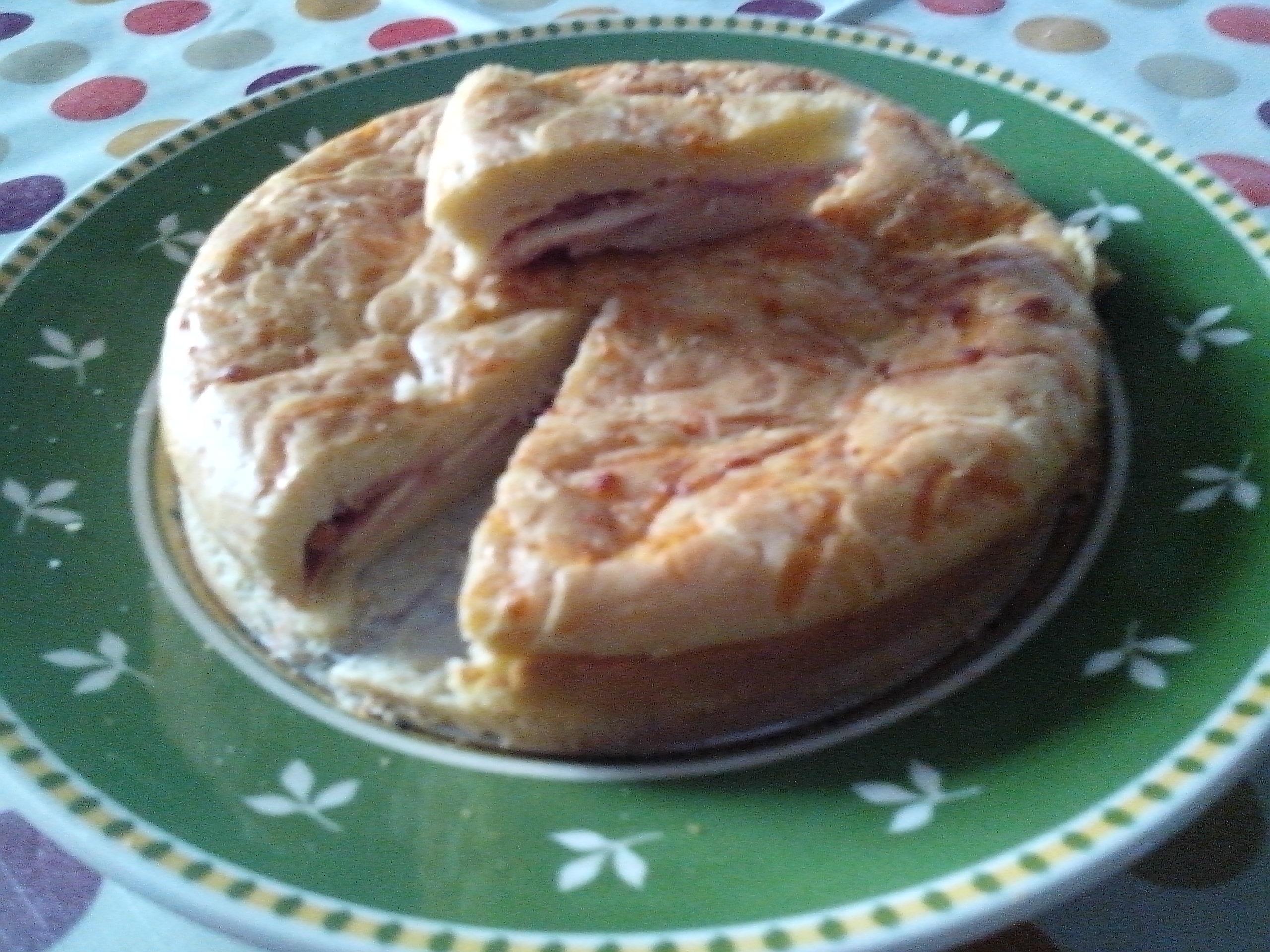 coca de jamon y queso