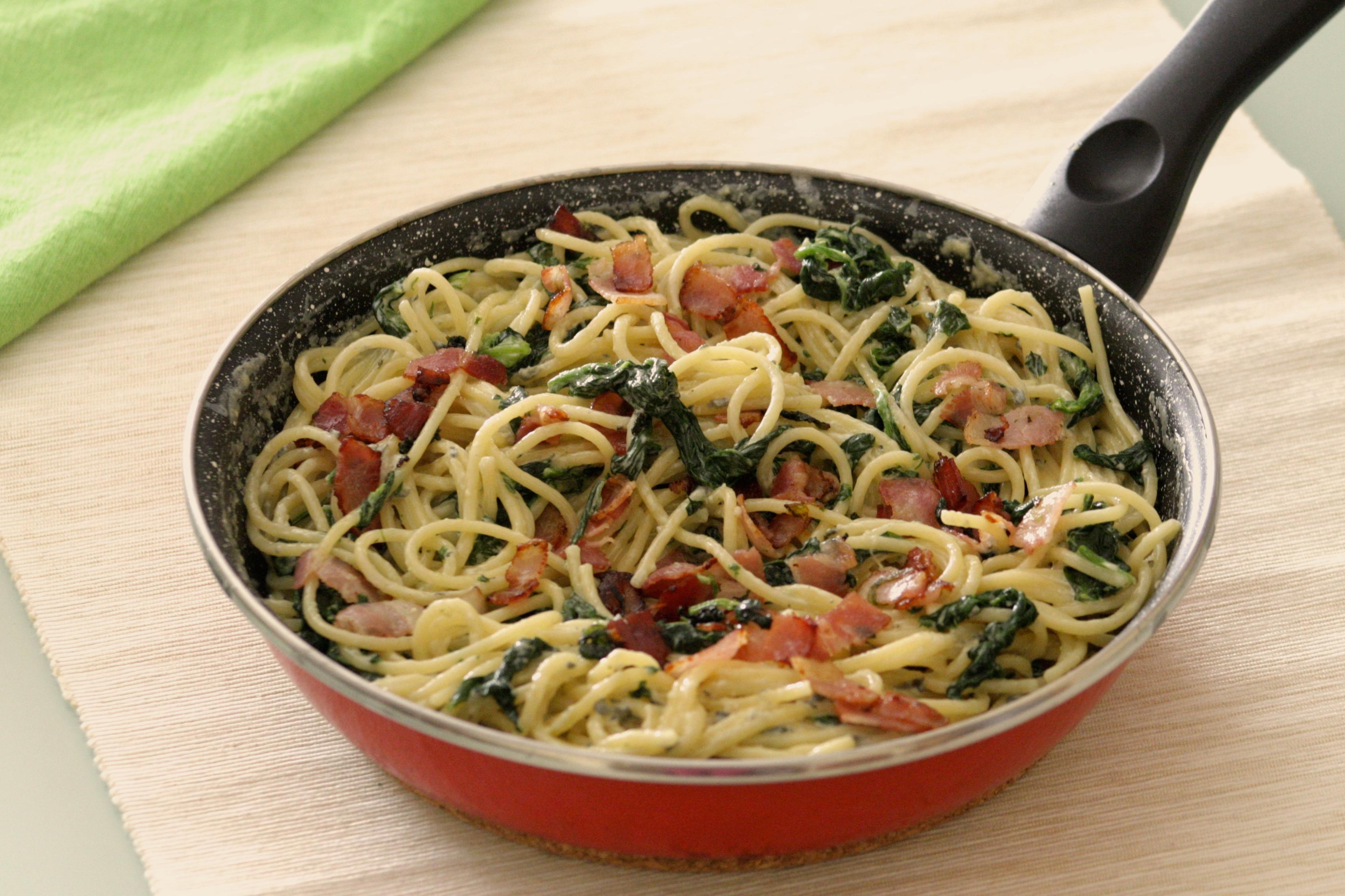 Espaguetis al queso azul