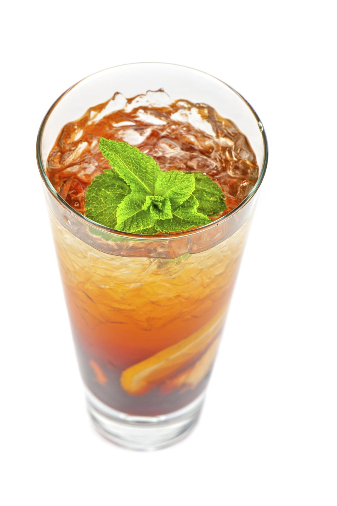 Infusión de té frío con naranja y jengibre