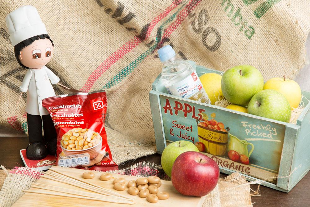 Manzanas recubiertas de caramelo y cacahuete