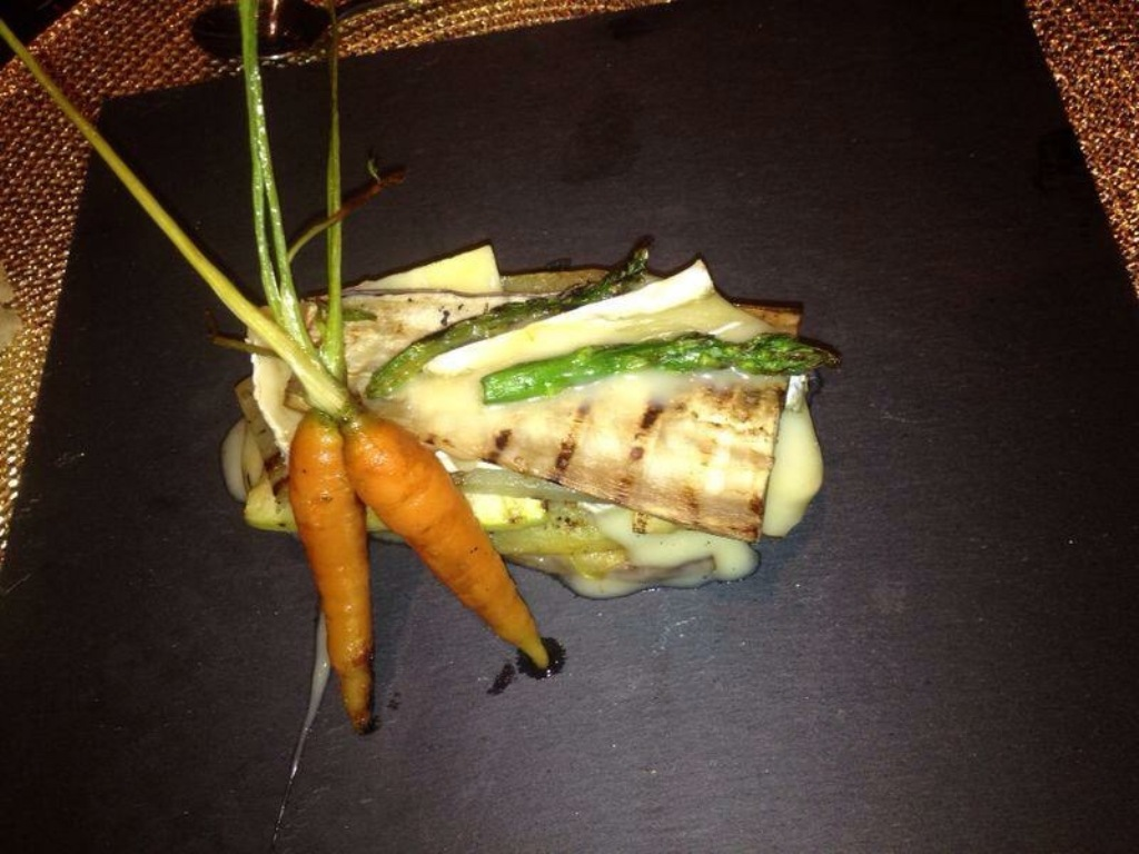 Lasaña de verduras con queso brie