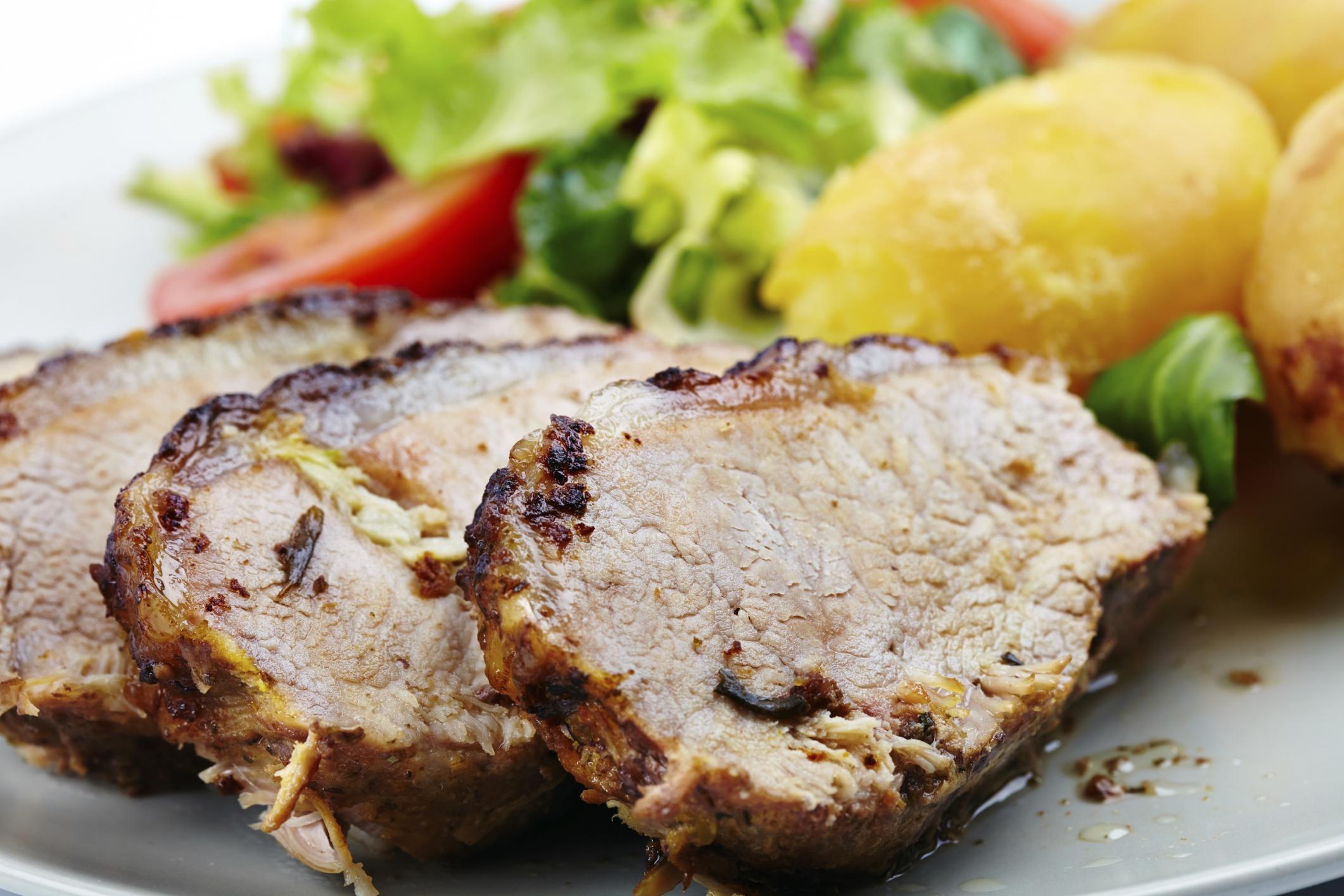 Lomo de cerdo y patatas a la sal de jamón