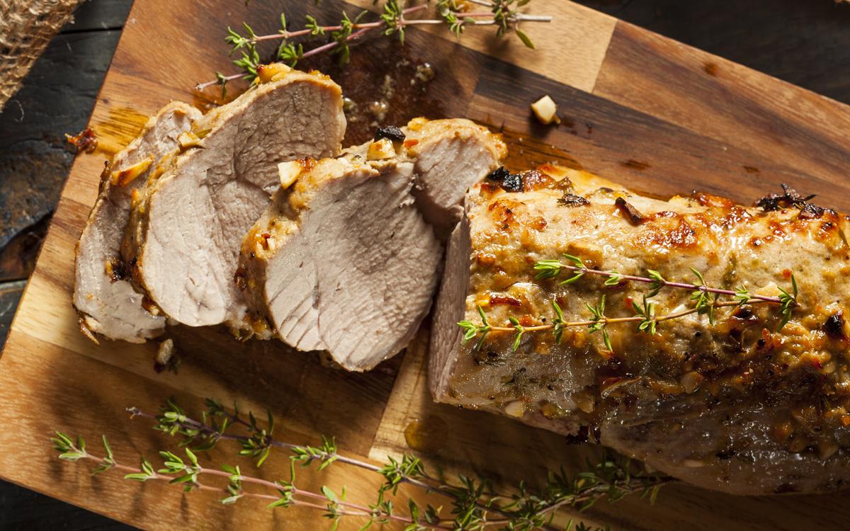 Lomo de cerdo asado con hierbas y especias
