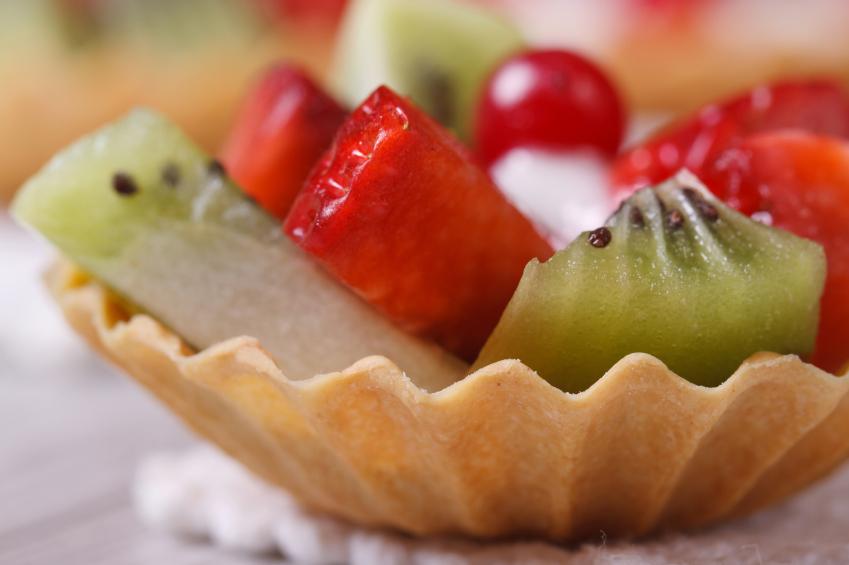 Macedonia de fresones, kiwi y queso