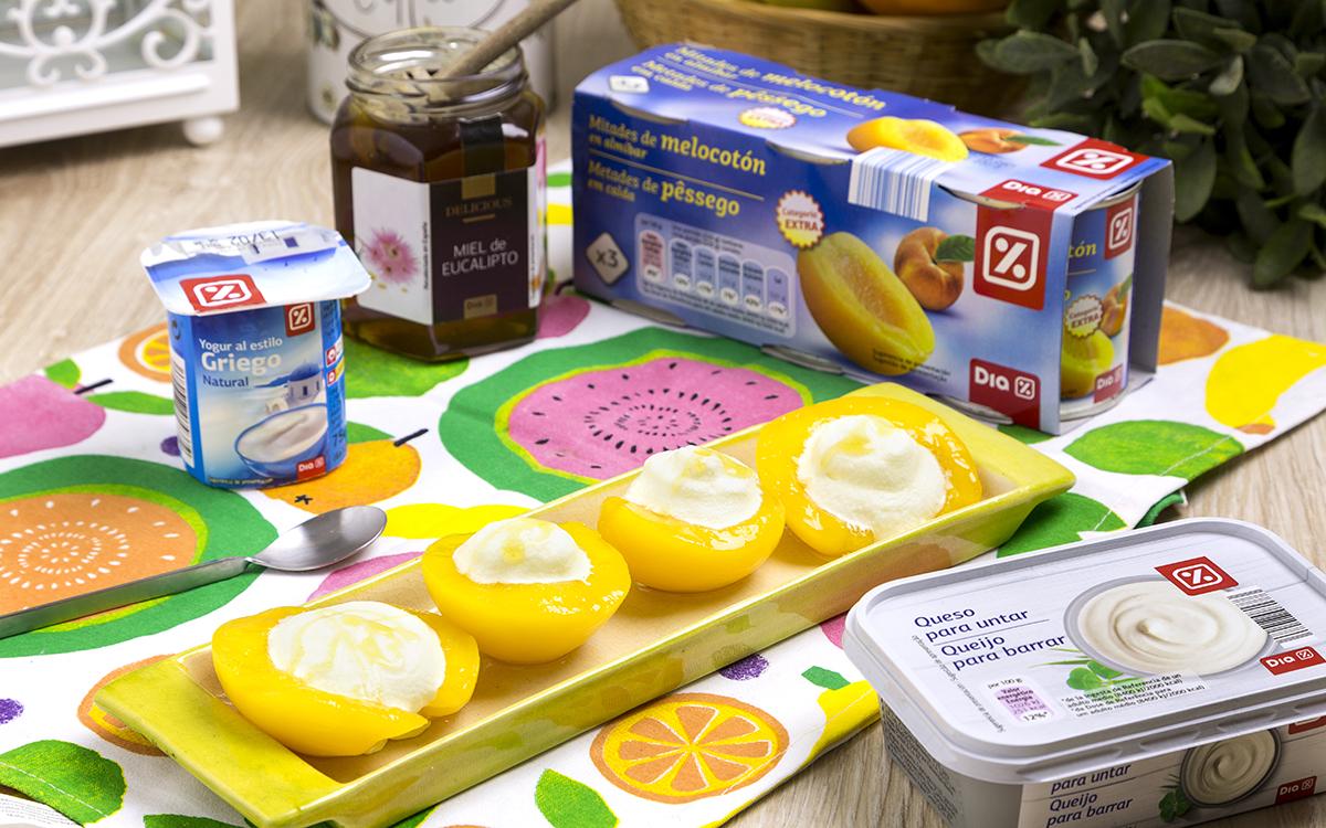 Melocotones rellenos de crema de queso