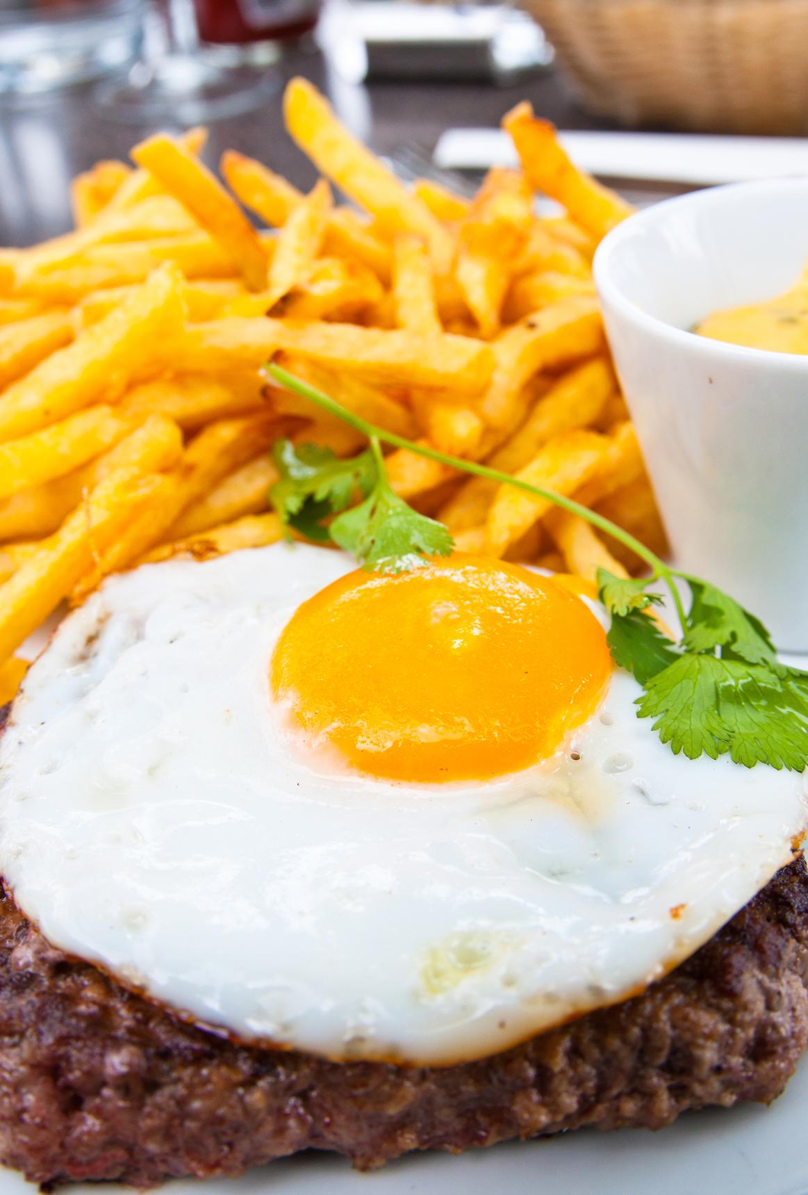 Milanesa con patatas fritas