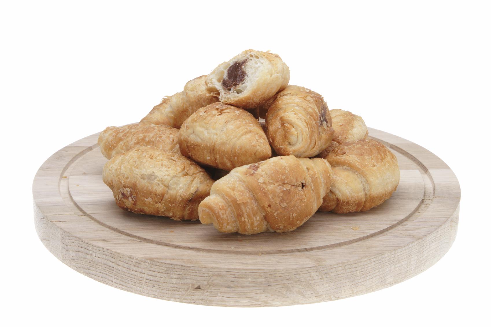 mini-croissants de hojaldre rellenos de chocolate a la taza