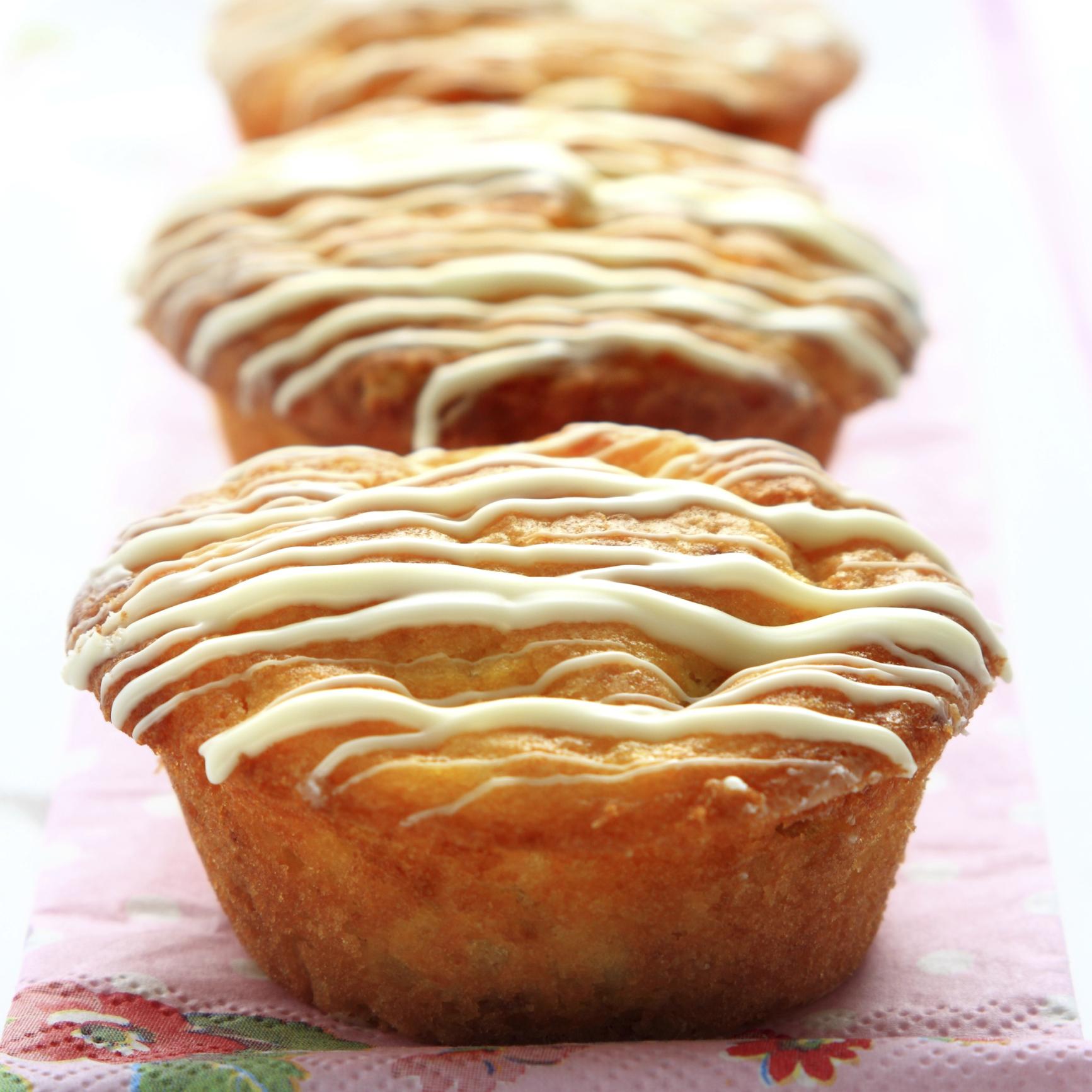 Muffin relleno de crema de chocolate blanco