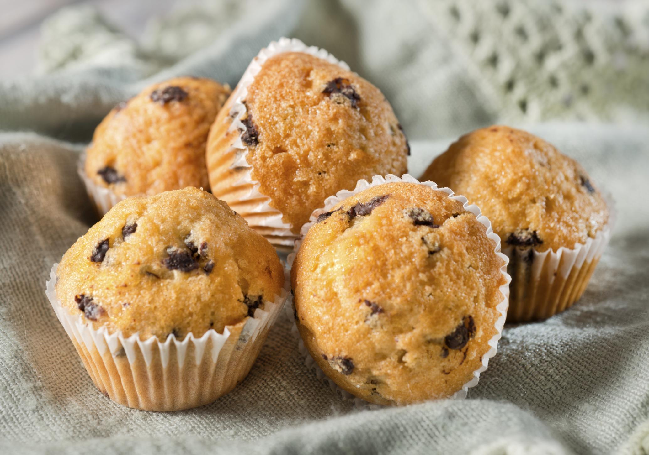 Muffins de yogur y perlitas de chocolate