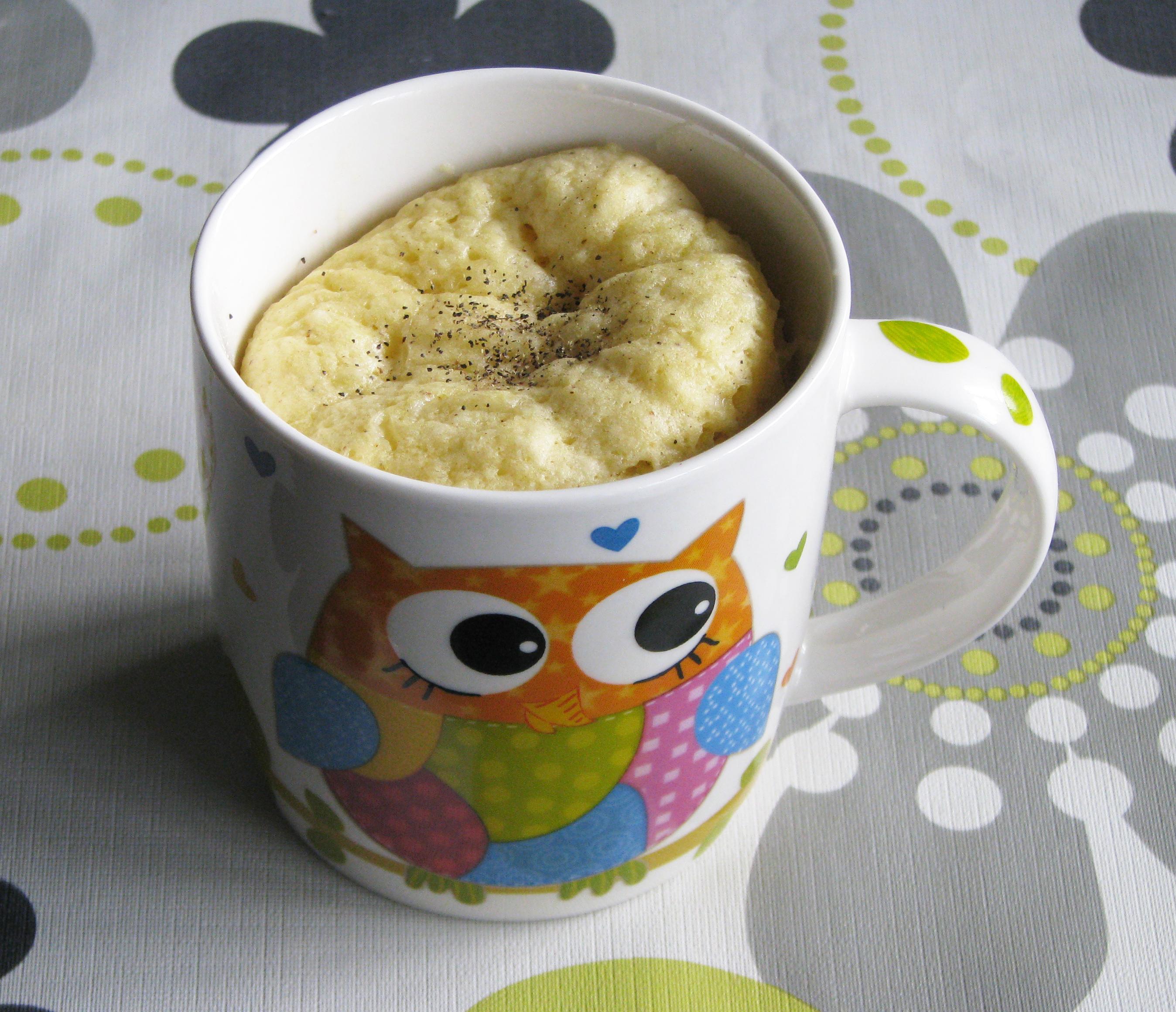 Mug cake de mostaza y queso
