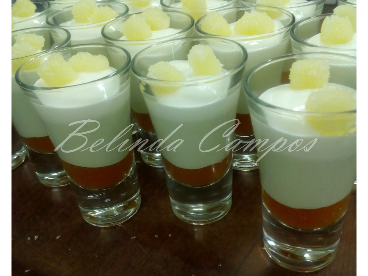 Dulce de ensalada cappresse. Pannacotta de albahaca sobre dulce de tomate, con cremoso de burrata y gominolas de aceite de oliva