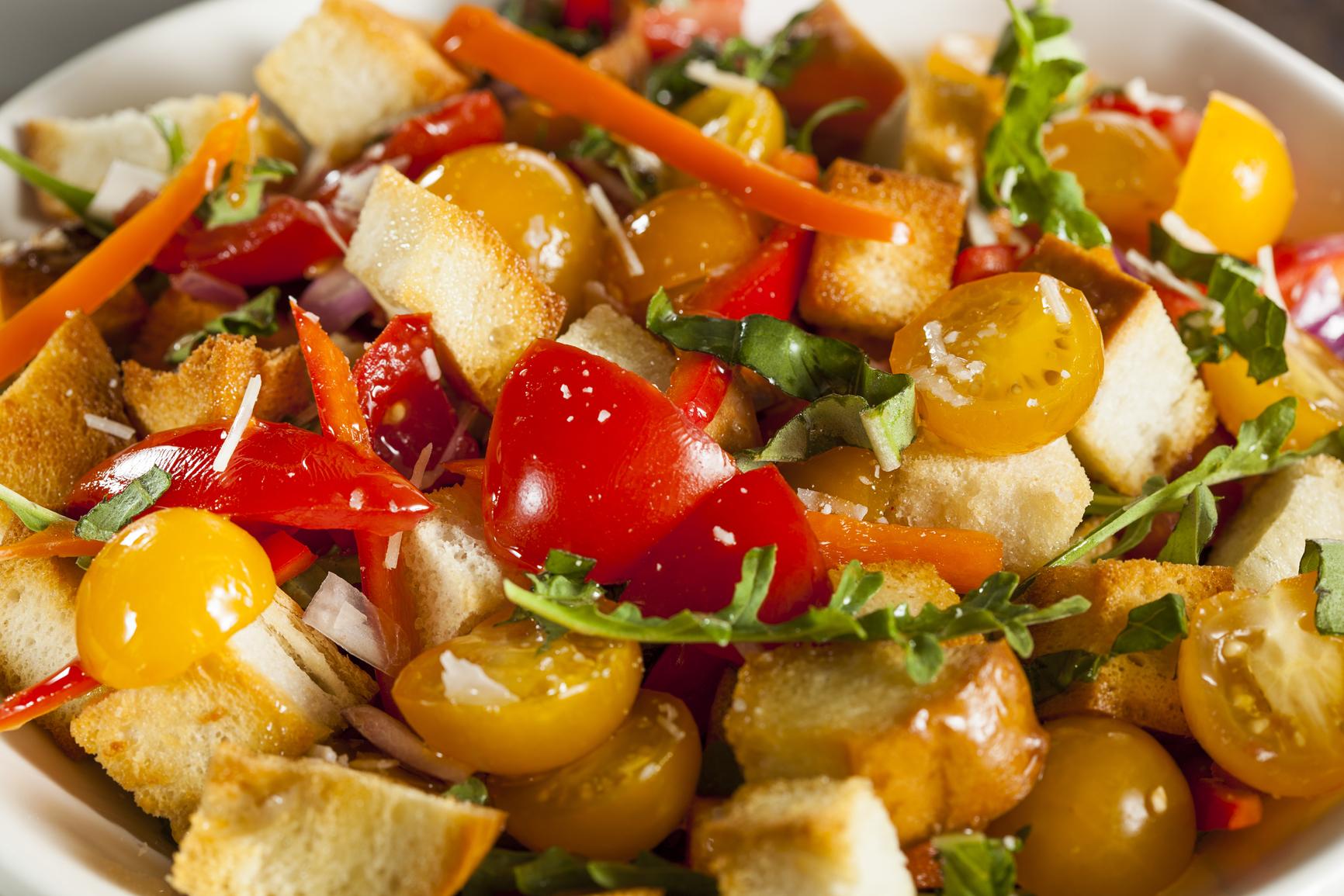 Panzanella de pimientos y tomates