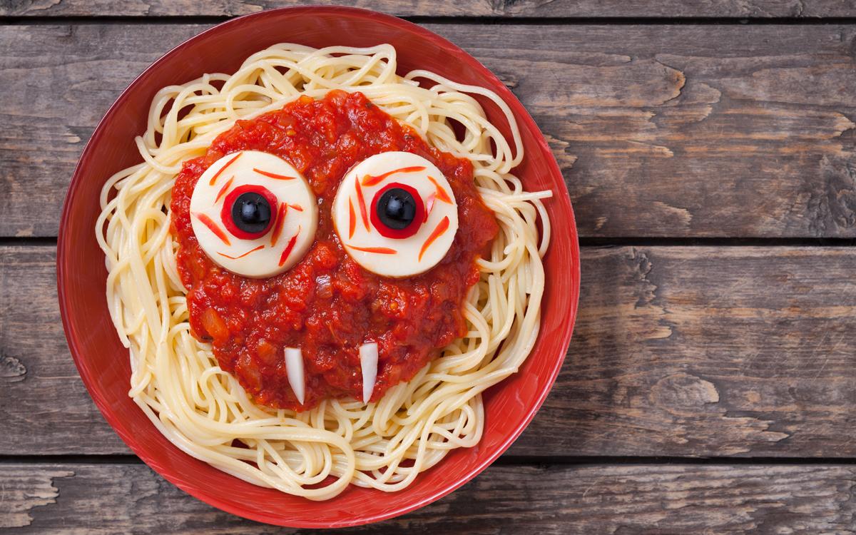 Pasta con tomate terrorífica