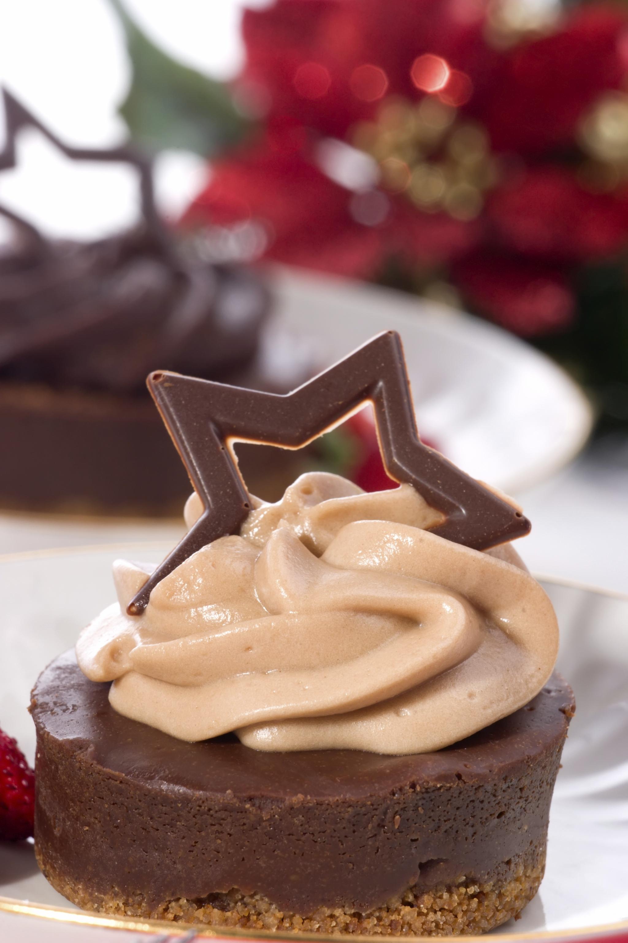 Pastel de chocolate y cuajada
