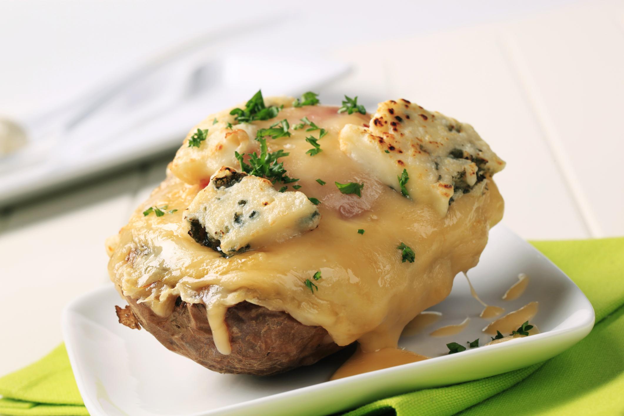Patatas a los tres quesos