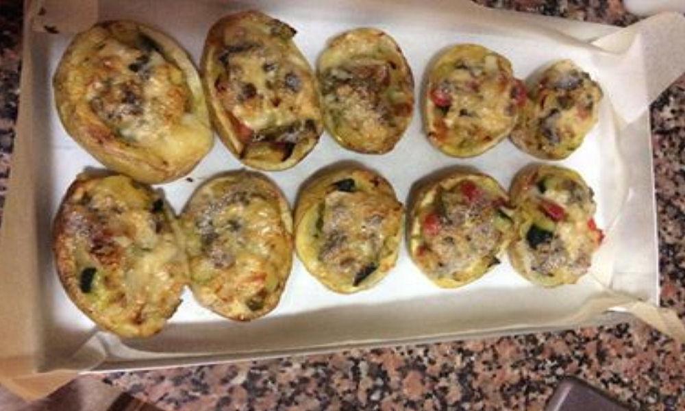 Patatas rellenas de verduritas al roquefort