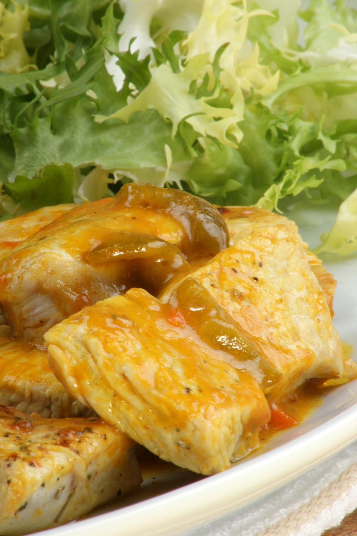 Pavo en salsa al curry
