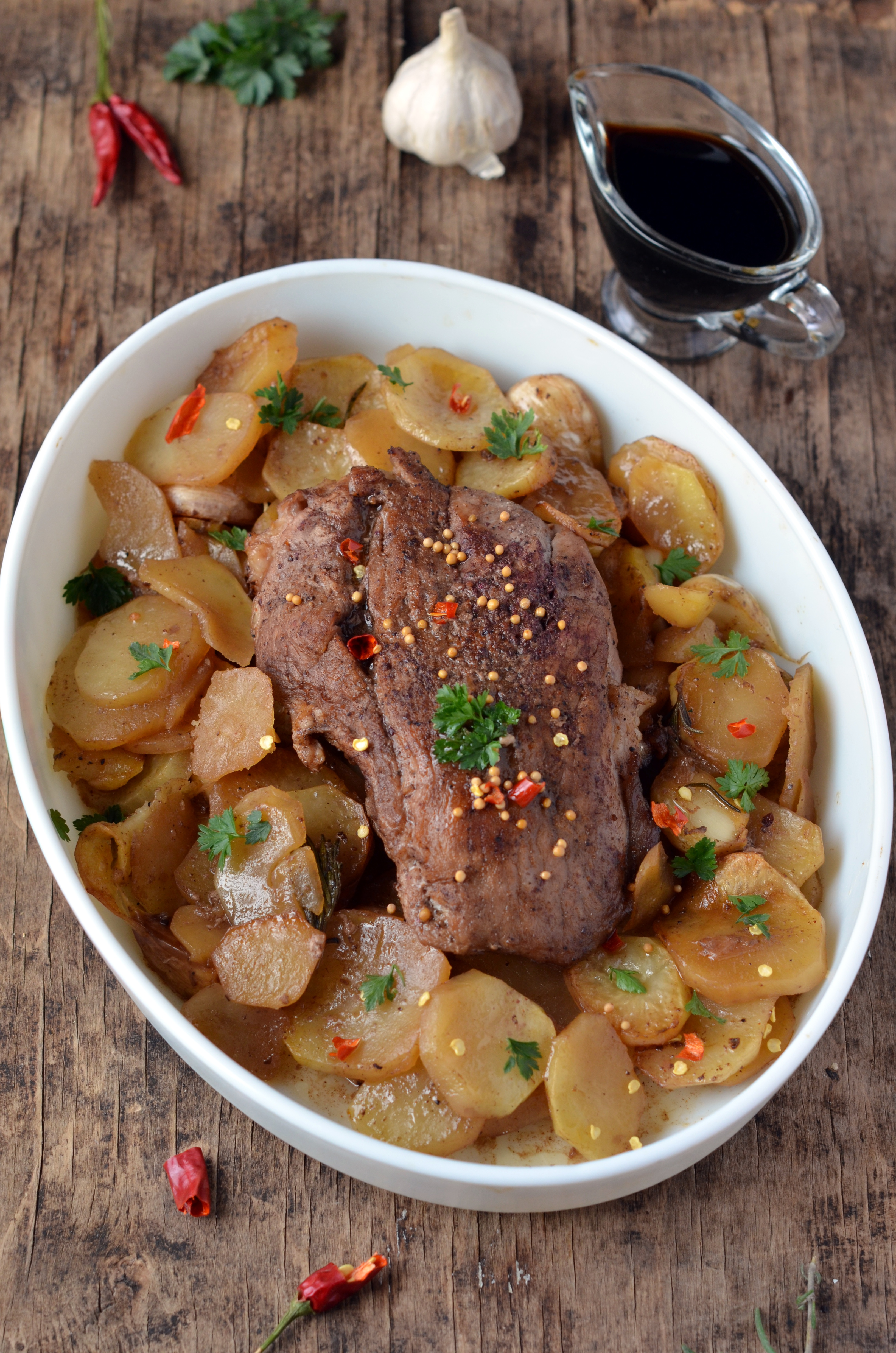 Pechito de cerdo agridulce con batatas doradas al micro