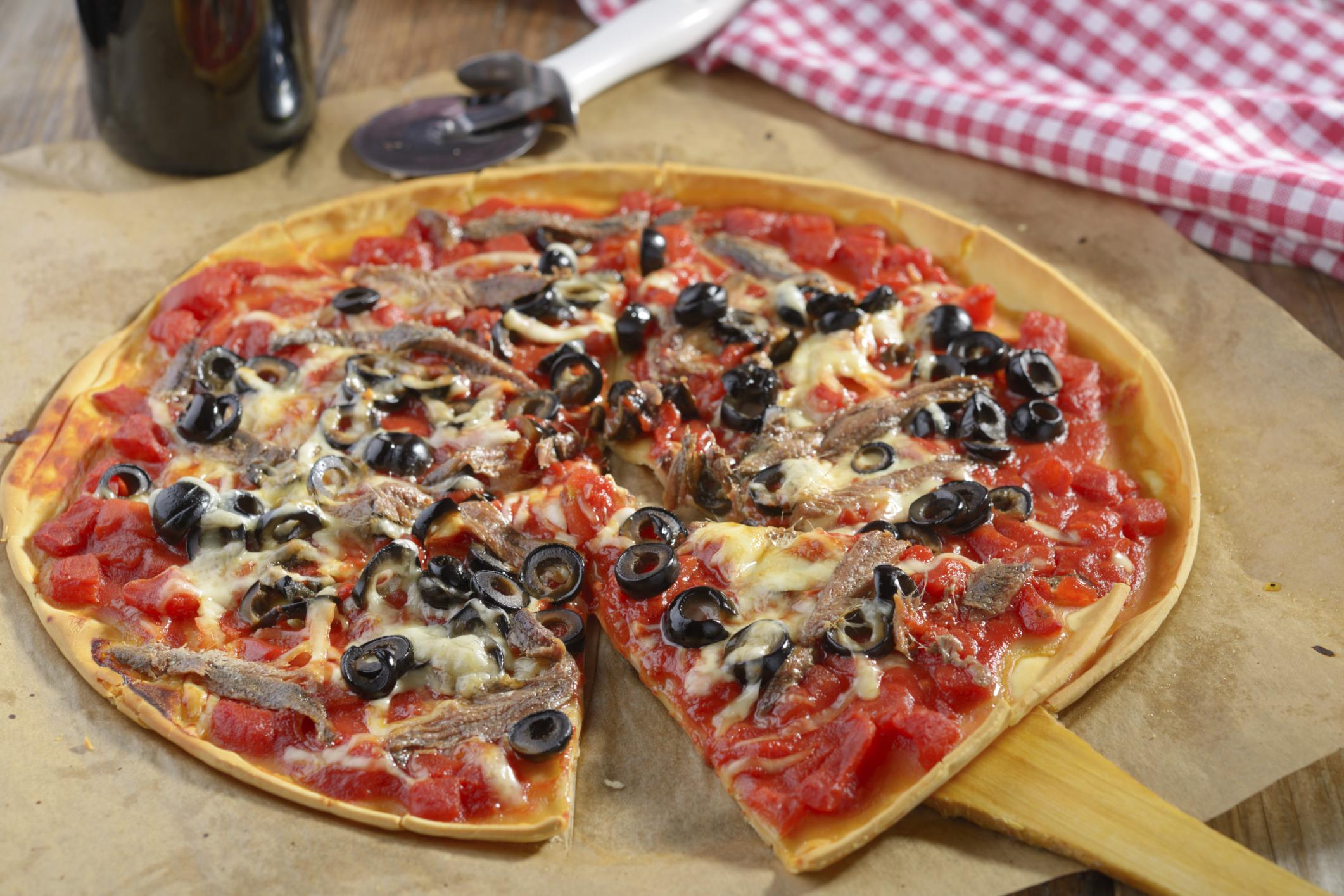 Pizza casera con anchoas