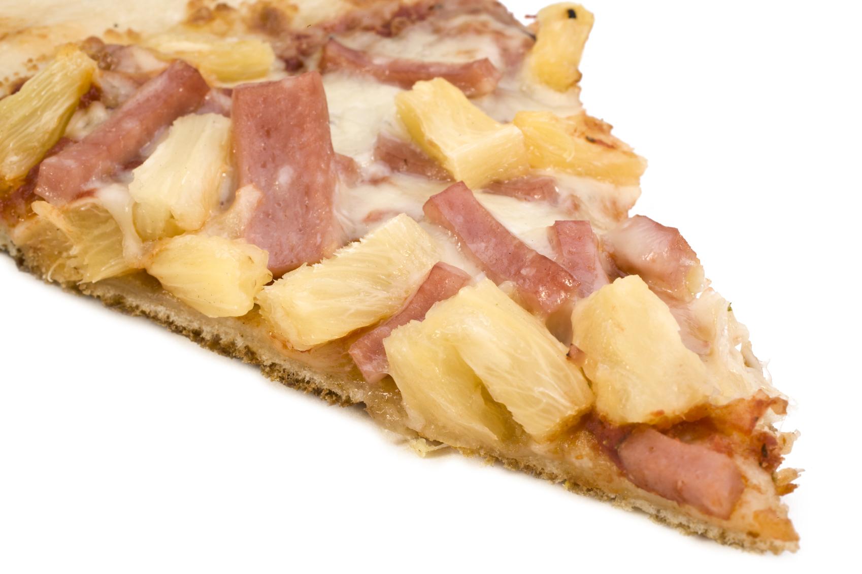Pizza con jamón york y piña natural