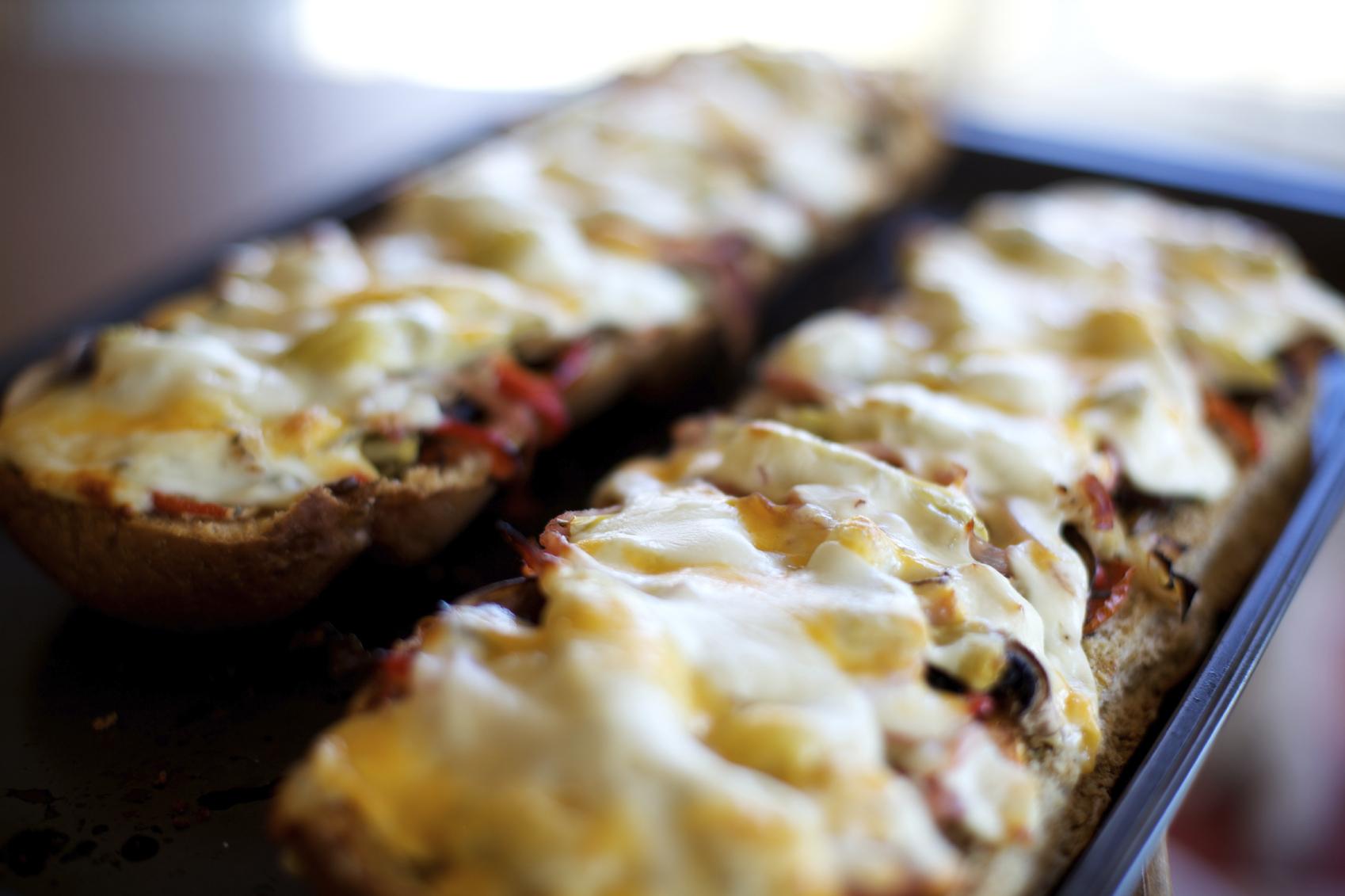 Pizzas de pan fáciles
