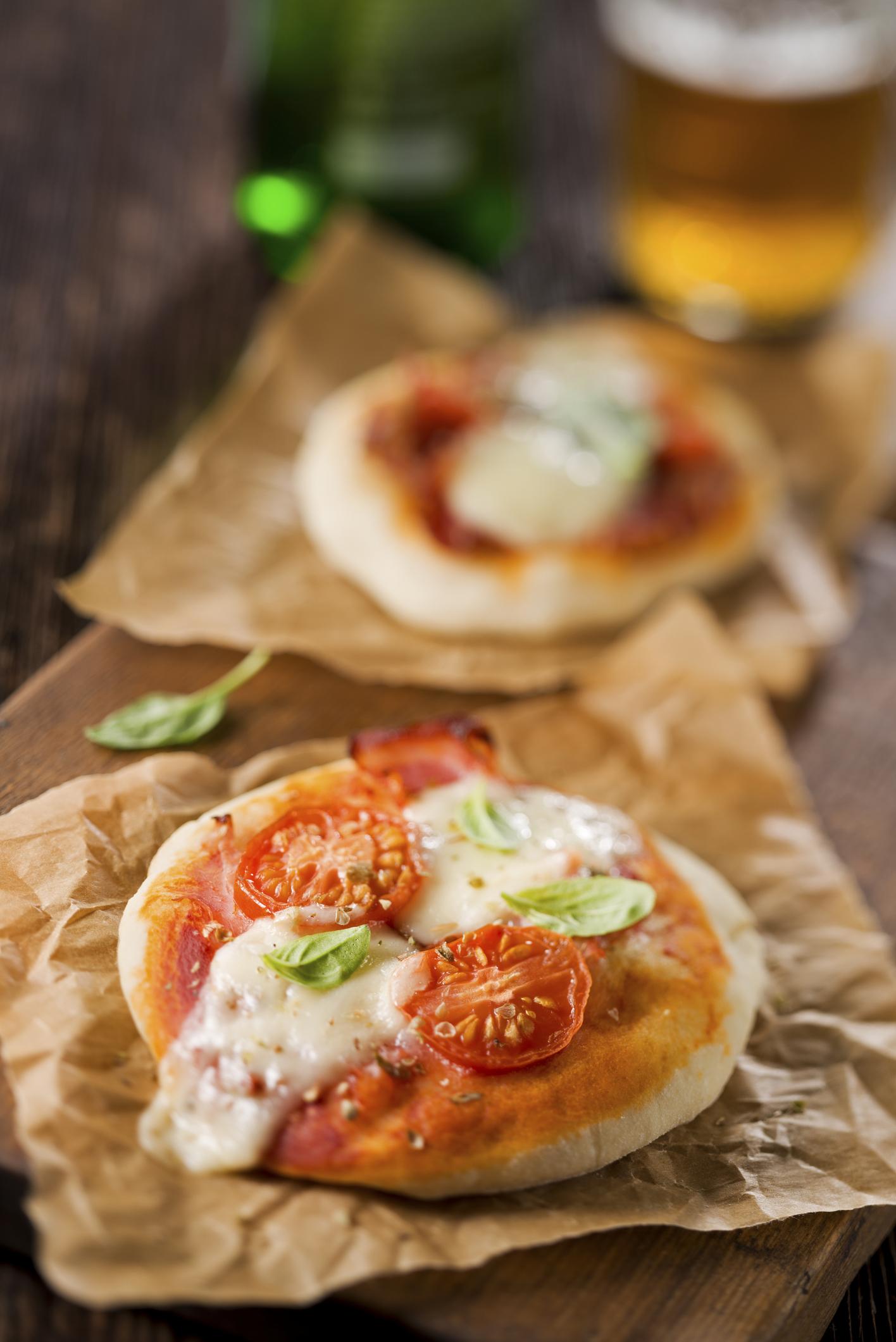 Pizzetas con mozzarella