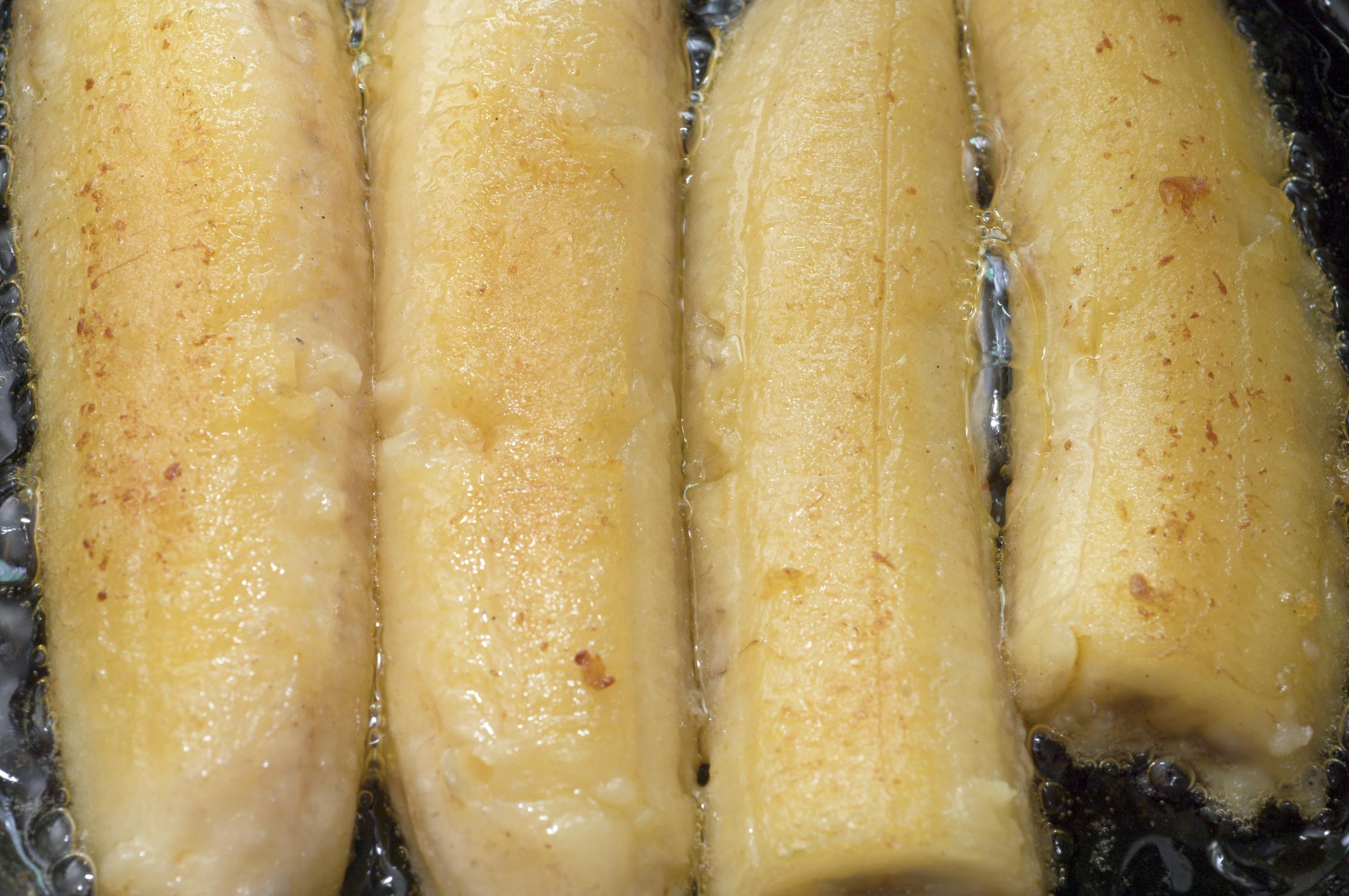 Plátanos caramelizados con azúcar