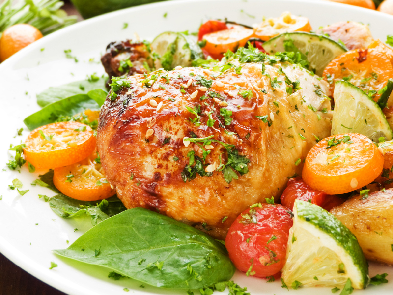 Pollo adobado en lima y naranja