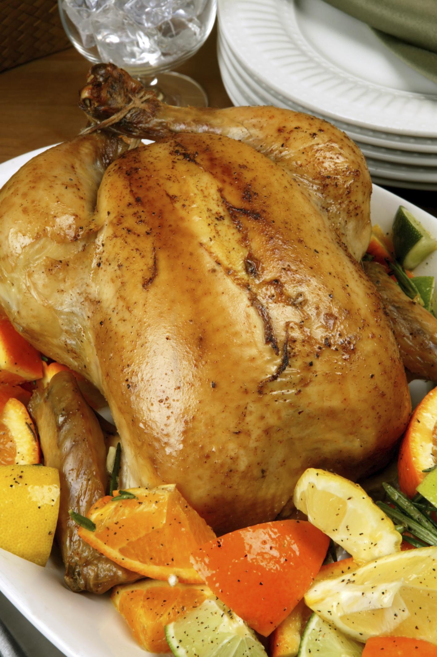 Pollo hornado con ajo y naranja