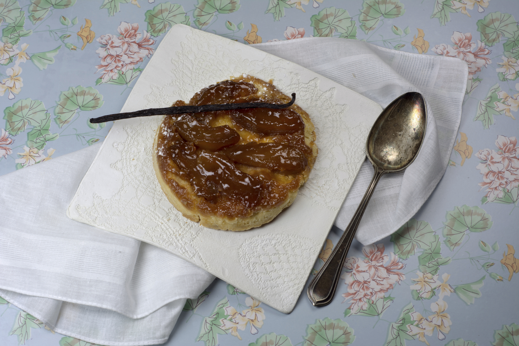 Pudin de manzana, canela y caramelo