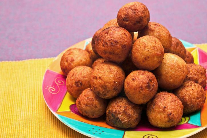 Puré de patatas con forma de bomba