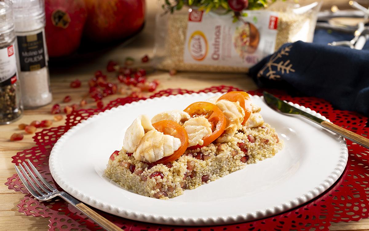 Rape con ensalada de quinoa y granada
