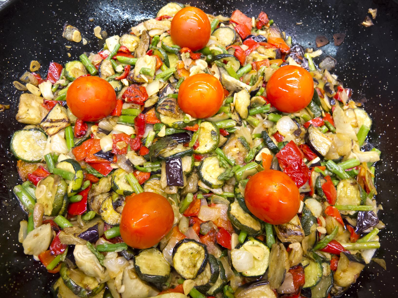 Revoltillo de verduras y algo más