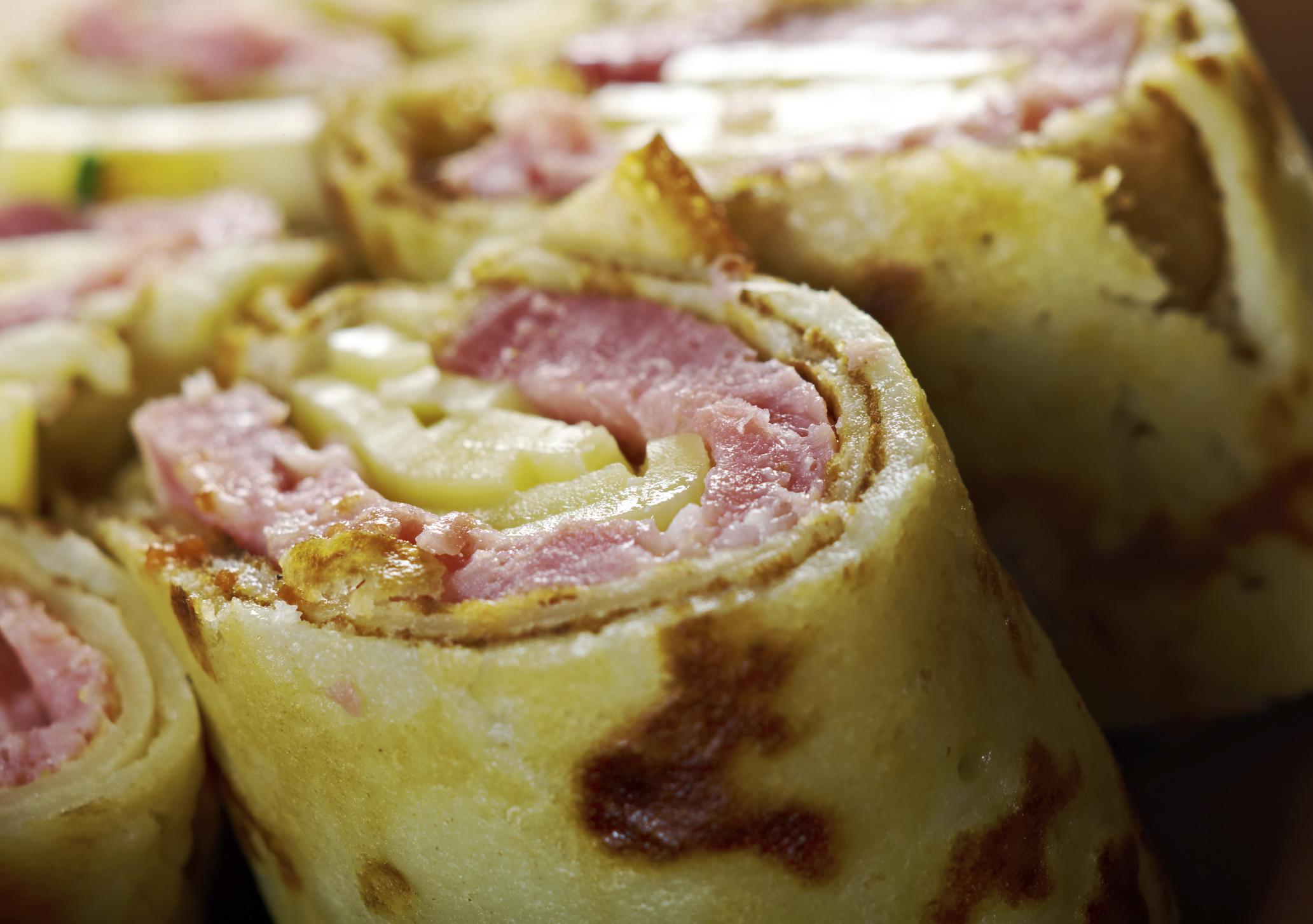 Rollitos de jamón york y queso gratinado