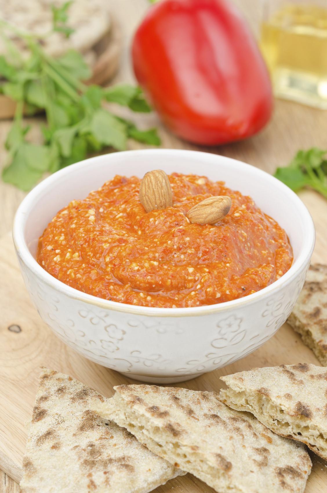 Salsa de almendras y tomate