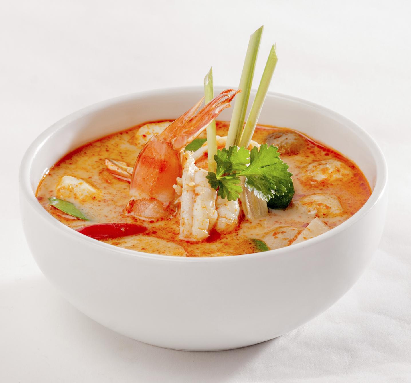 Sopa de pescado y coco