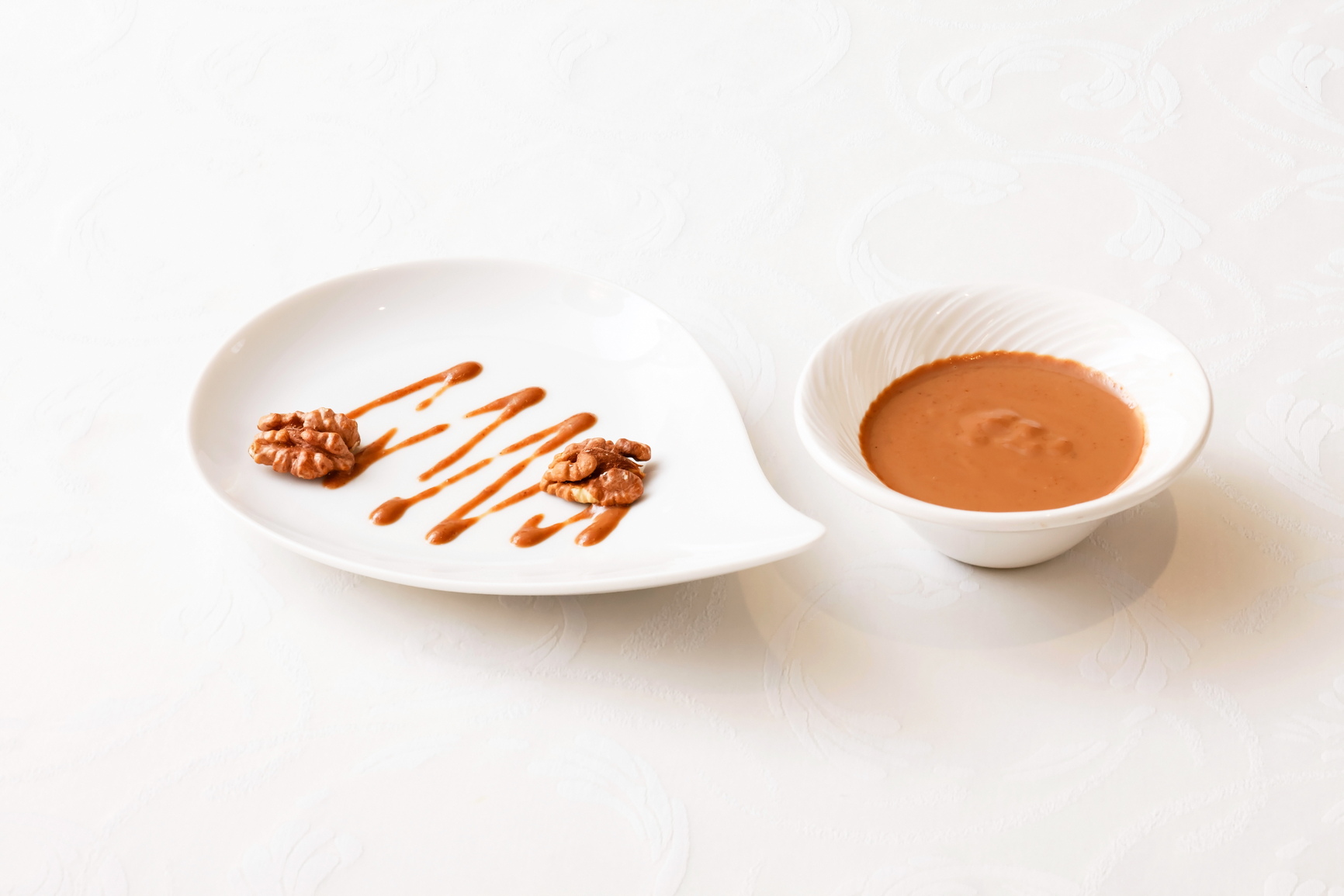 Salsa de nueces, receta de cocina catalana