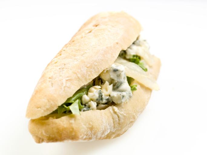Sandwich de roquefort, berros y pera