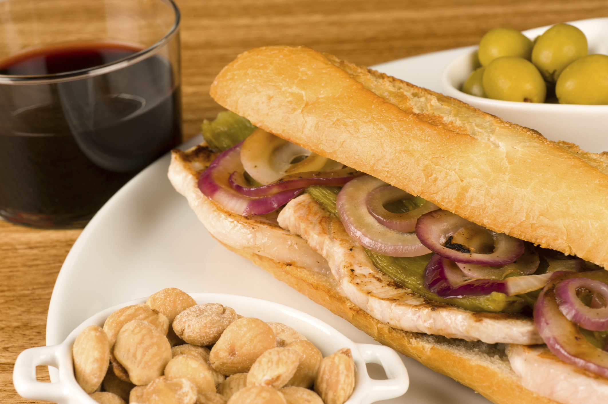 Sándwich de Lomo con pimiento y cebolla