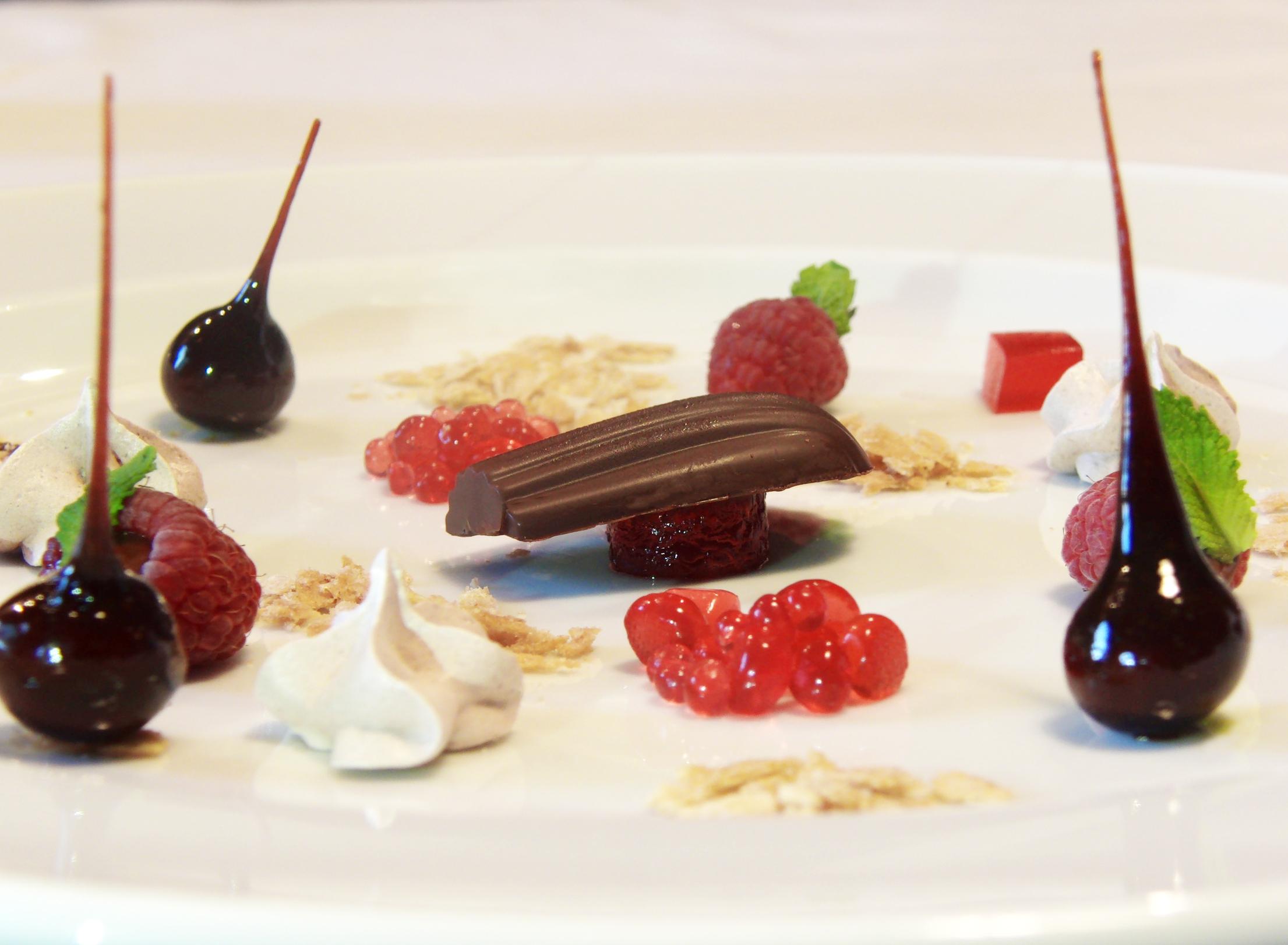 Sinfonía de chocolate y frutos rojos