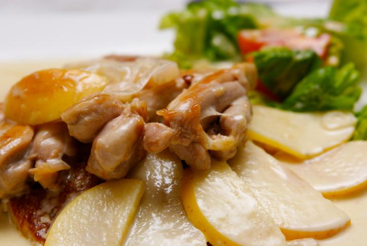 Solomillo de pollo con salsa de manzana