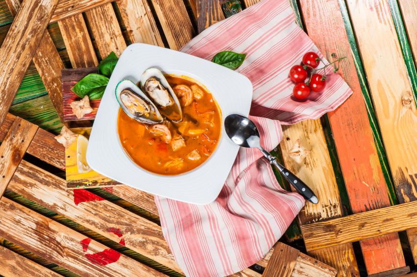 Sopa de mariscos gallegos