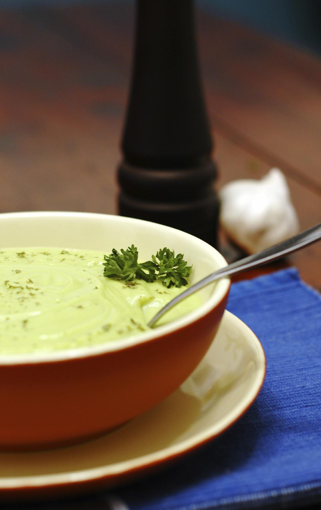 Sopa crema fría de endivias y piña