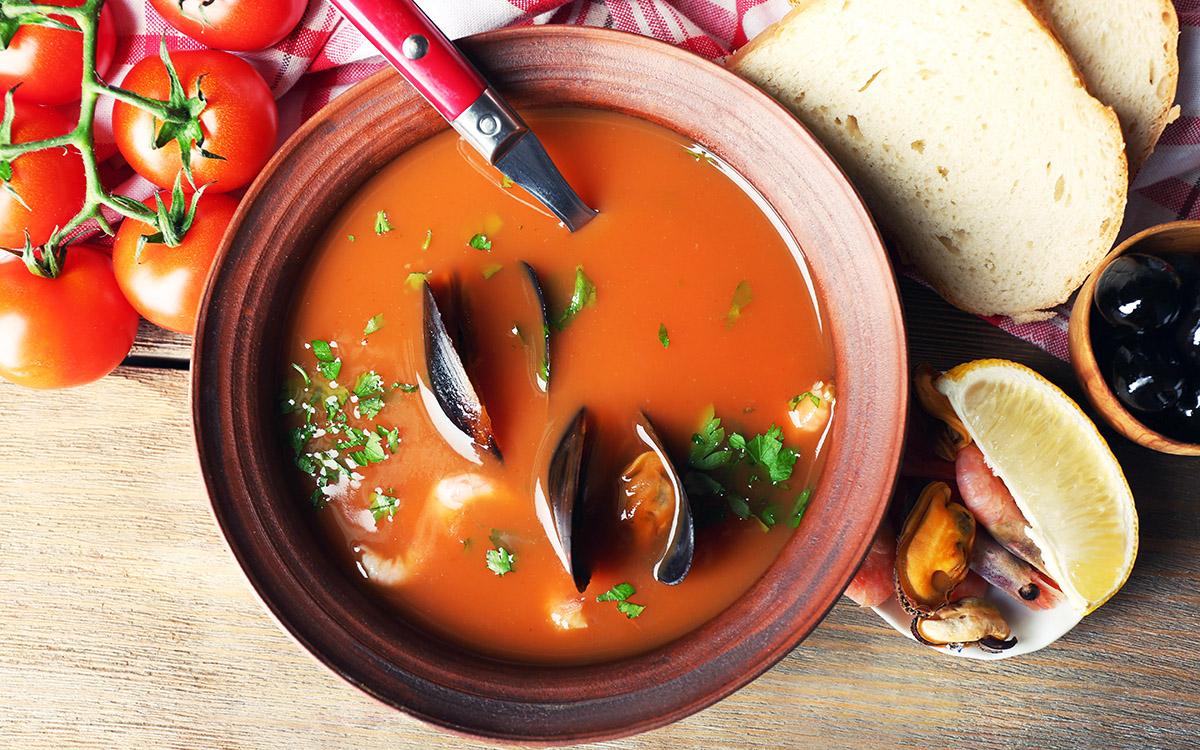 Sopa de mejillones y tomate