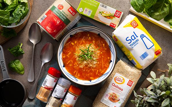 Sopa vegana de quinoa