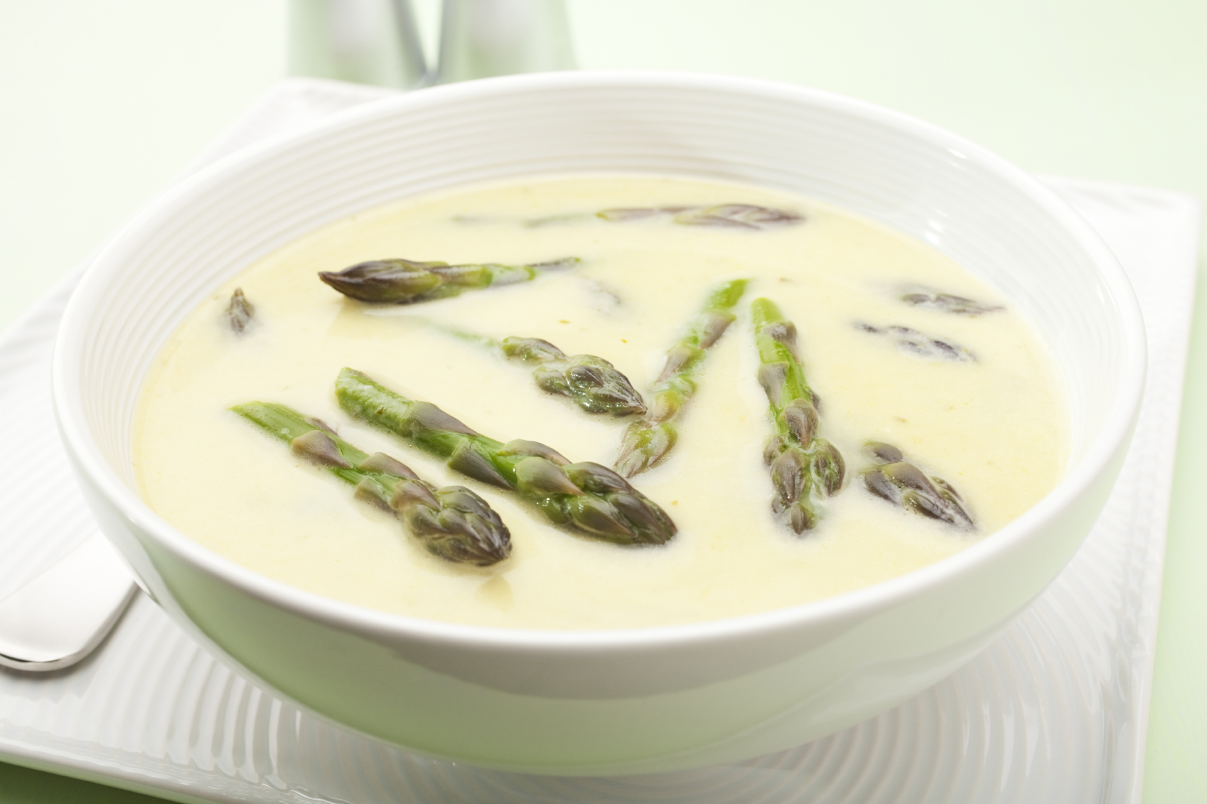 Sopa de espárragos con aceite de vainilla