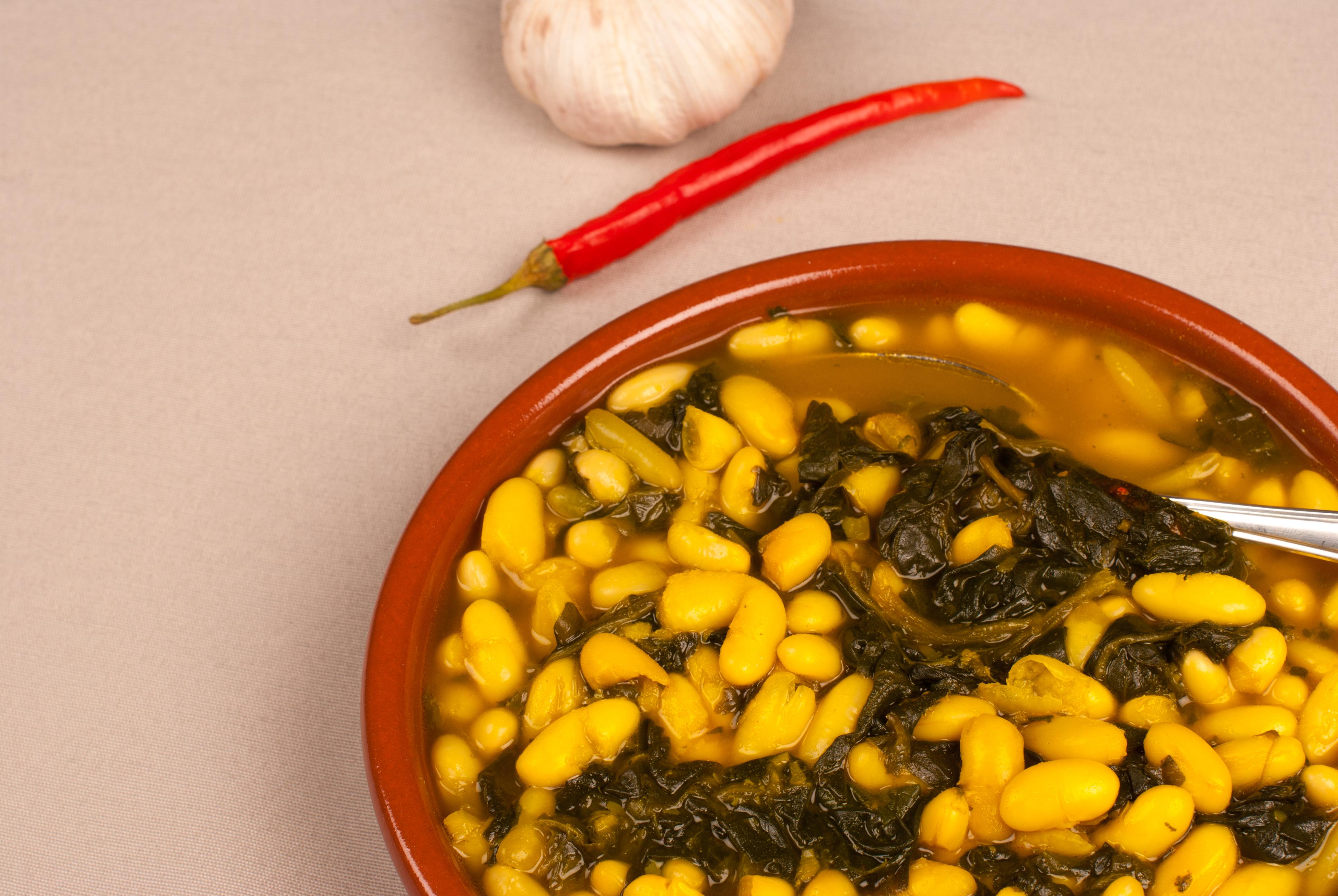 Sopa de espinacas con alubias