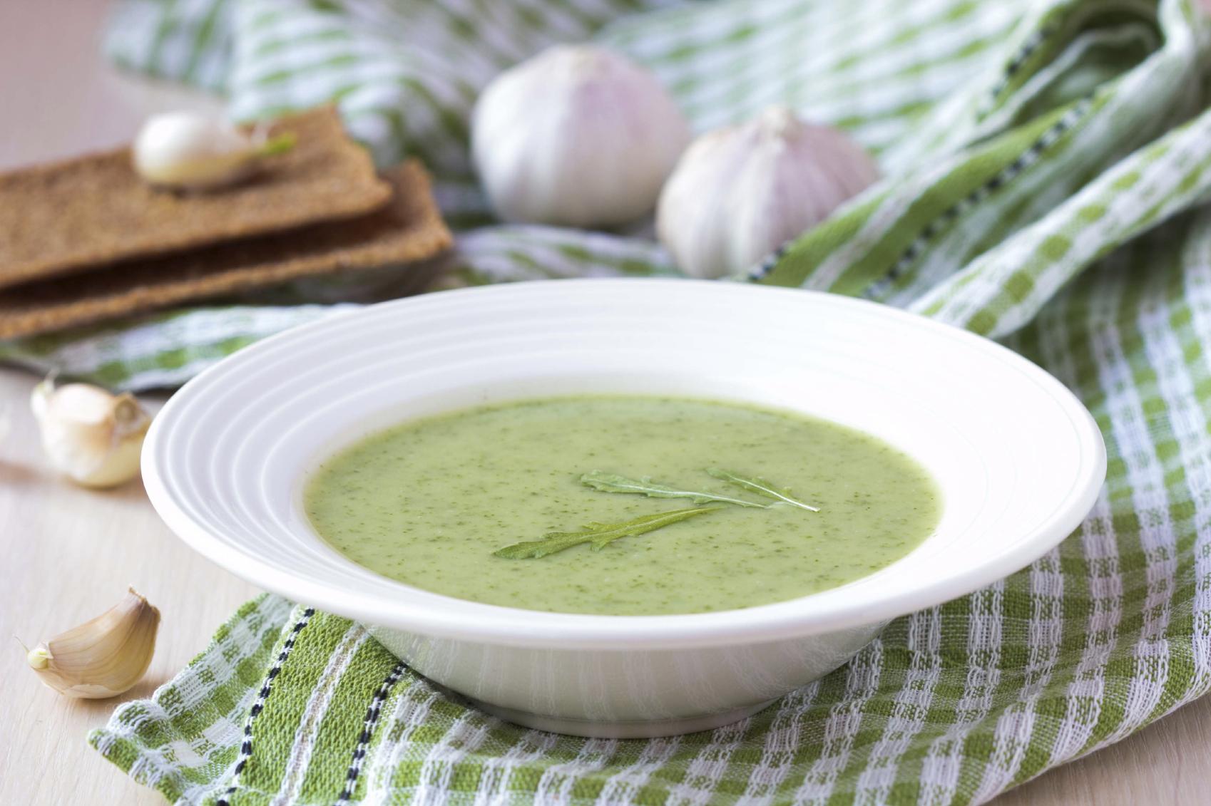 Sopa de espinacas y guisantes