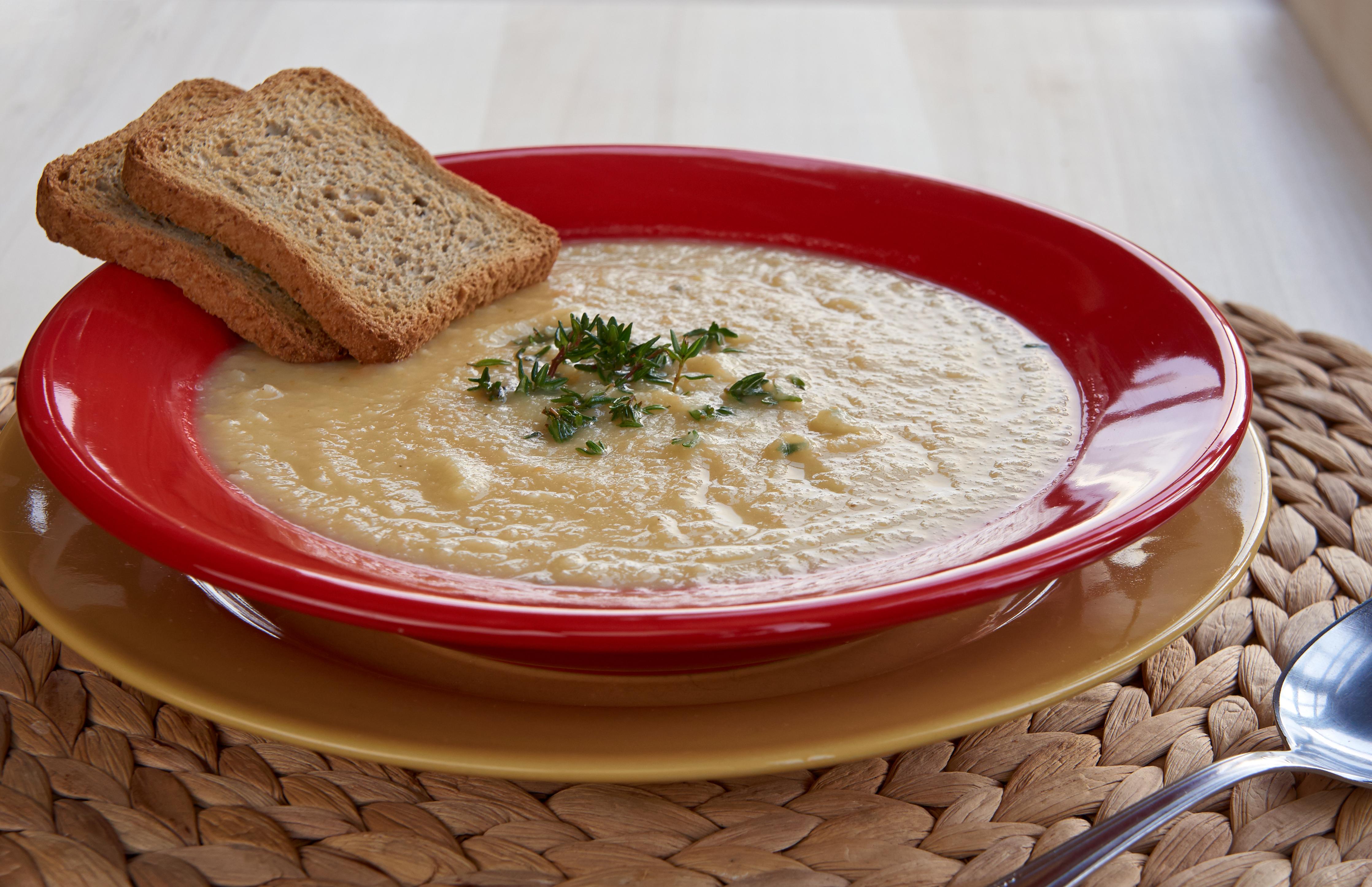 Sopa de manzana y mantequilla de cacahuetes